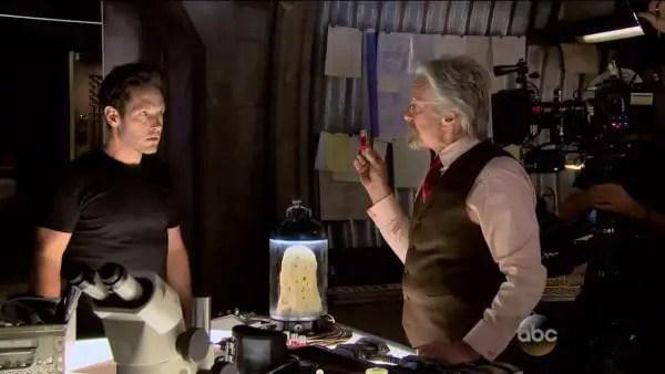 Scott Lang (Paul Rudd) and Hank Pym (Michael Douglas)