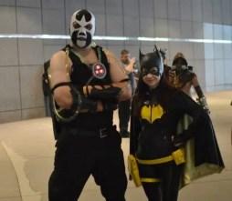 Batgirl and Bane (600x523)