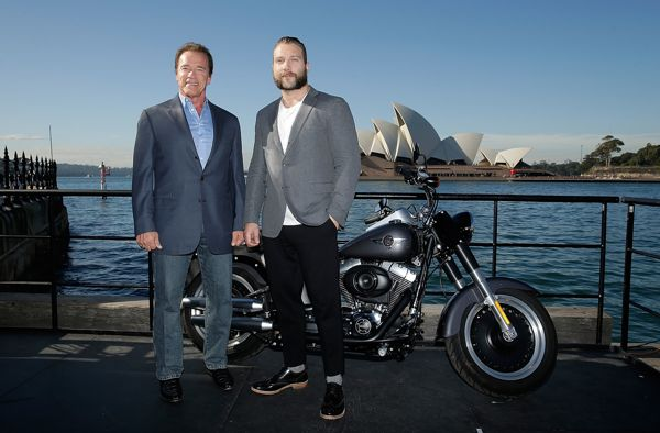 SYDNEY, AUSTRALIA - JUNE 04:  Arnold Schwarzenegger and Jai Courtney pose during a 'Terminator Genisys' photo call at the Park Hyatt Sydney on June 4, 2015 in Sydney, Australia.  (Photo by Mark Metcalfe/Getty Images for Paramount Pictures International) *** Local Caption *** Arnold Schwarzenegger; Jai Courtney