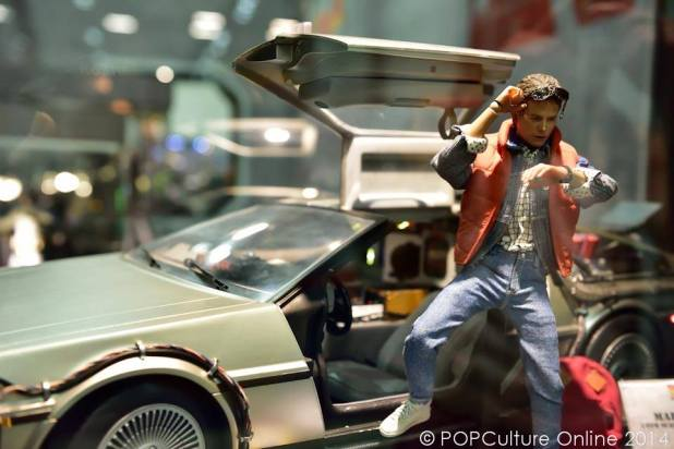 STGCC 2014 Hot Toys Back To The Future Delorean Marty Mcfly