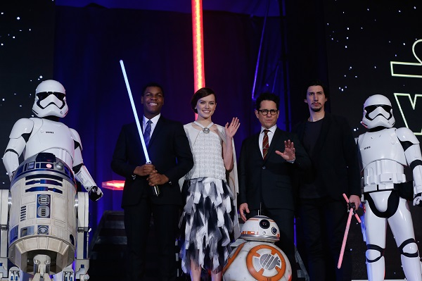 TOKYO, JAPAN - DECEMBER 10: (from left) Stormtrooper, R2-D2, John Boyega, Daisy Ridley, J.J. Abrams, BB-8, Adam Driver and Stormtrooper attend the 'Star Wars: The Force Awakens' fan event at the Roppongi Hills on December 10, 2015 in Tokyo, Japan. (Photo by Christopher Jue/Getty Images for Walt Disney Studios) *** Local Caption *** R2-D2;John Boyega;Daisy Ridley;J.J. Abrams;BB-8;Adam Driver;Stormtroopers