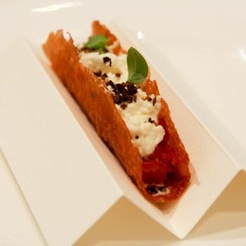 Enrico Crippa - Taco di pomodoro, fassona e mozzarella