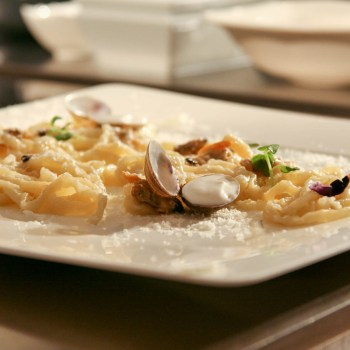 Riccardo Monco - Pici di pane, vongole, mozzarella
