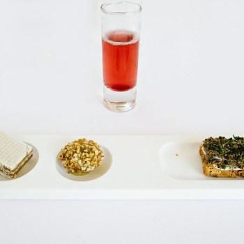 Wafer di foie gras, finta oliva, crostino di alici e tartufo, kir