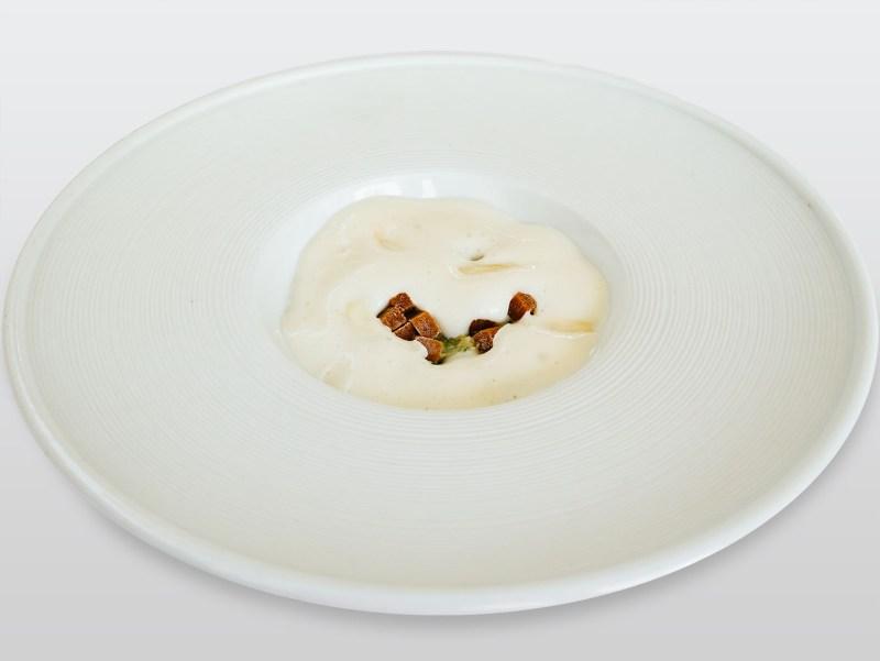 Ulliassi - Pancotto, ricci di mare, latte di mandorle e mandorle