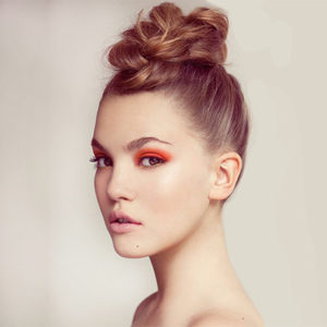 Pop Hair Formation - chignon néoclassique