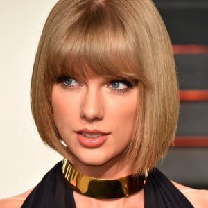 2048x2730-e6-8278-458c32fb7c74-assets-elleuk-com-gallery-17063-taylor-swift-hairstyle-bob-getty-gallery-01-jpg