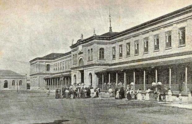 festa do imigrante fachada antiga do museu