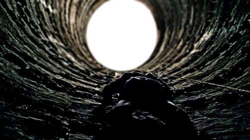 dark-knight-rises-well