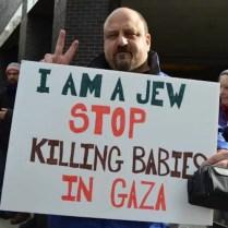 «Sono ebreo. Fermate l'uccisione di bambini a Gaza».