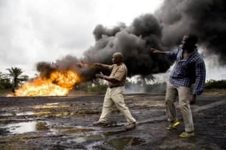 Petrolio fuoriuscito da un pozzo della Shell.