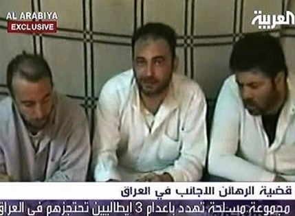 Salvatore Stefio, Umberto Cupertino e Maurizio Agliana in un video rilasciato dai rapitori durante i giorni del loro sequestro.