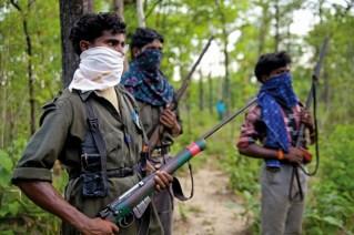 Guerriglieri maoisti.