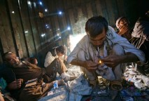 A causa della diffusione della droga, in Afghanistan si verificano sempre più casi di Aids.