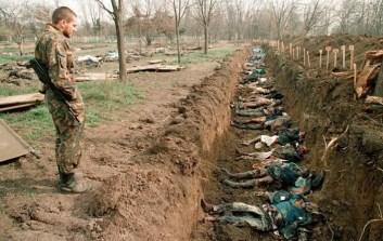 Una fossa comune nei pressi del confine meridionale con l'Azerbiagian. Non si sa se l'eccidio sia stato compiuto dalle truppe russe o dai jihadisti.