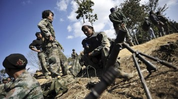 Guerriglieri kachin in azione.