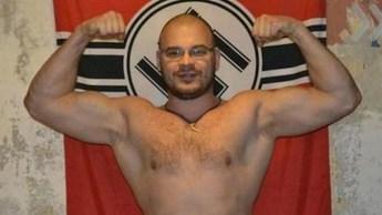 Un nazista di Pravy Sektor russo partito volontario per l'Ucraina per combattere i comunisti.