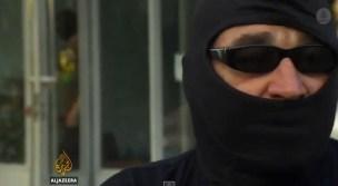 Il paramilitare del battaglione Azov Fontana intervistato da Al Jazeera.