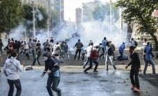 scontri tra manifestanti curdi e polizia turca