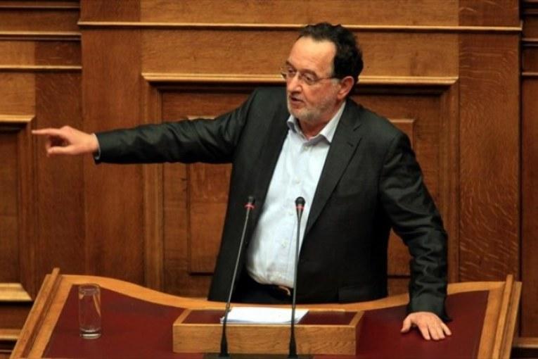 Syriza, passa a maggioranza la linea Tsipras