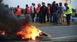 loi-travail-blocus-de-la-raffinerie-de-donges-par-les-routiers_5598911