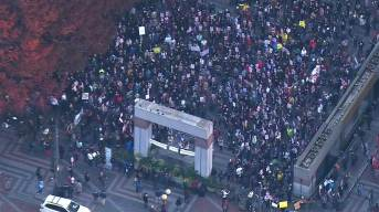 f_trump_cityprotests_161109-nbcnews-ux-1080-600