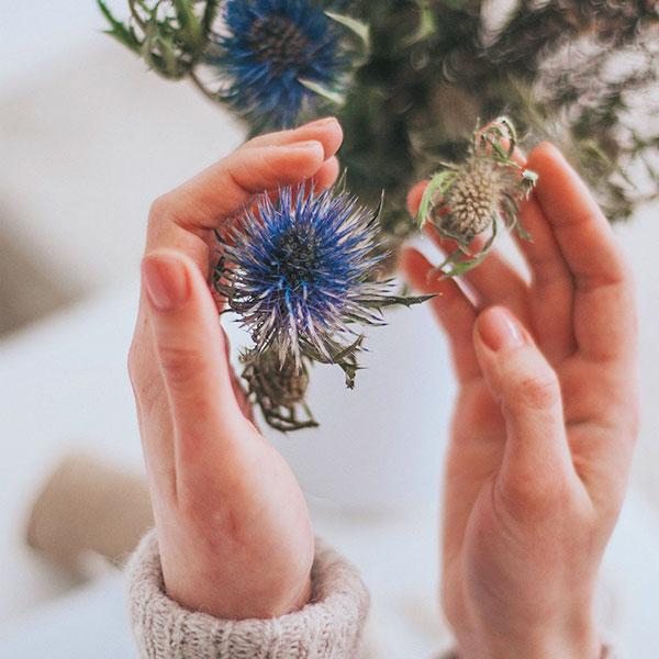 florist hands