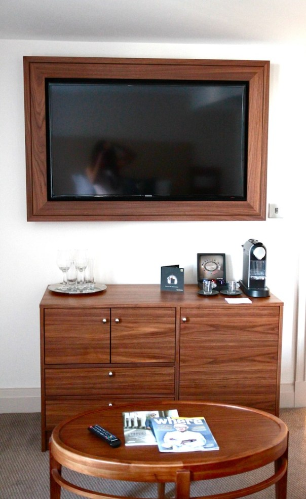 Flat Screen LCD TV with Freeview