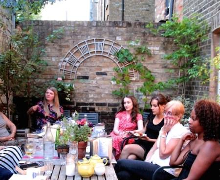 Poppy Loves Book Club - Queen's Gambit - Elizabeth Fremantle 1