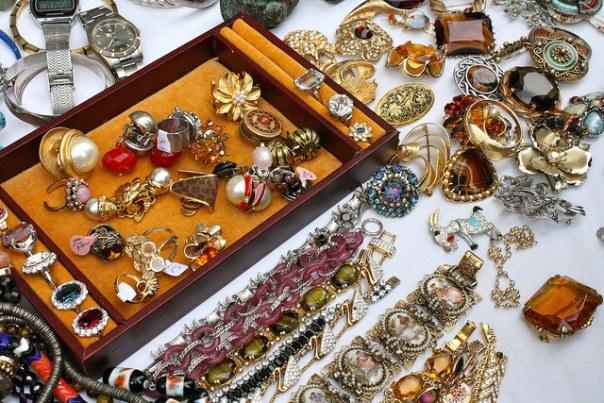 Vintage accessories in Portobello Road