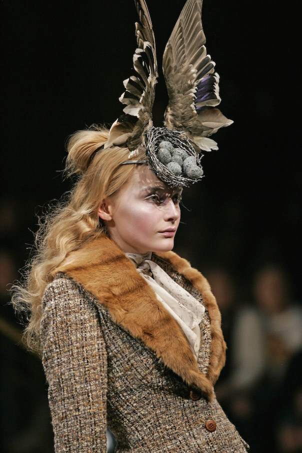 Birds-Nest-Headdress-made-with-Swarovski-Gemstones-by-Philip-Treacy-and-Shaun-Leane-for-Alexander-McQueen-AW-2006