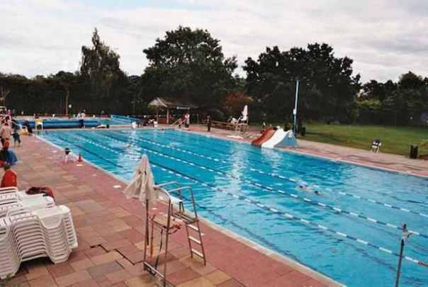 Hampton Pool Hampton Court