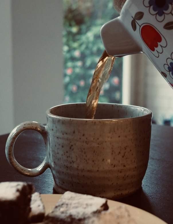 Black-Tea-mug-teapot