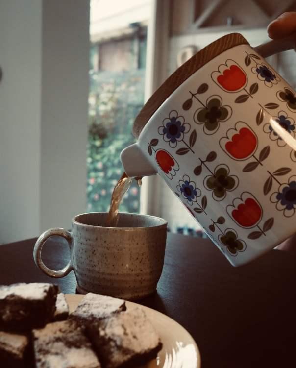 Mug-teapot-tea