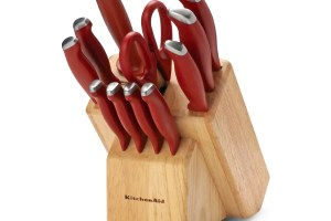 https://i2.wp.com/www.poppysweeps.com/wp-content/uploads/2016/08/08-27-Kitchenaid-Knife-Set.jpg?resize=300%2C200
