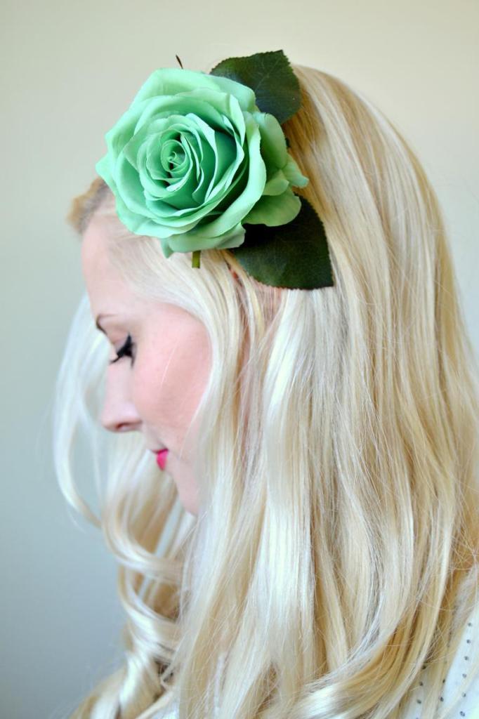 Tattooed-Martha-DIY-Hair-Flower-Clips-4