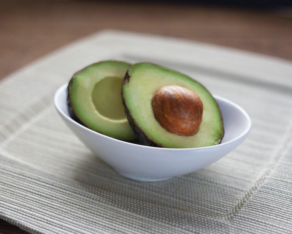 make this avocado honey face mask