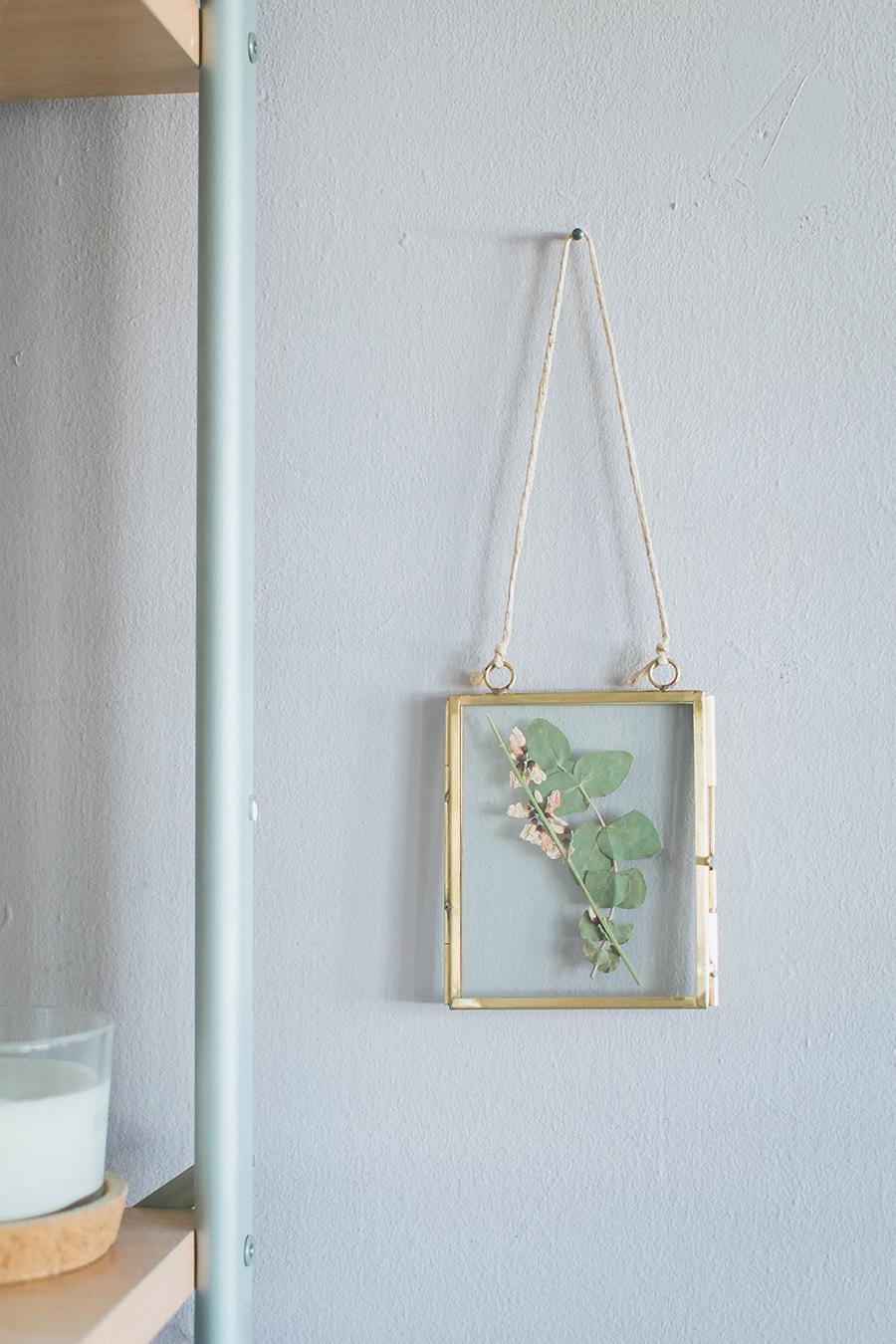 DIY Pressed Flower Frame Tutorial End Result