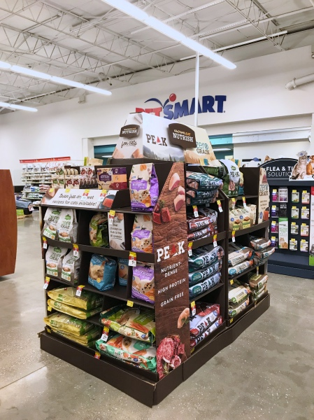 petsmart-in-store-photo-pop-shop-america-rachael-ray-nutrish-cat-food