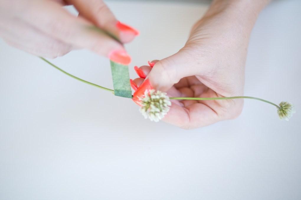 use-floral-tape-adhere-flower-crown-diy
