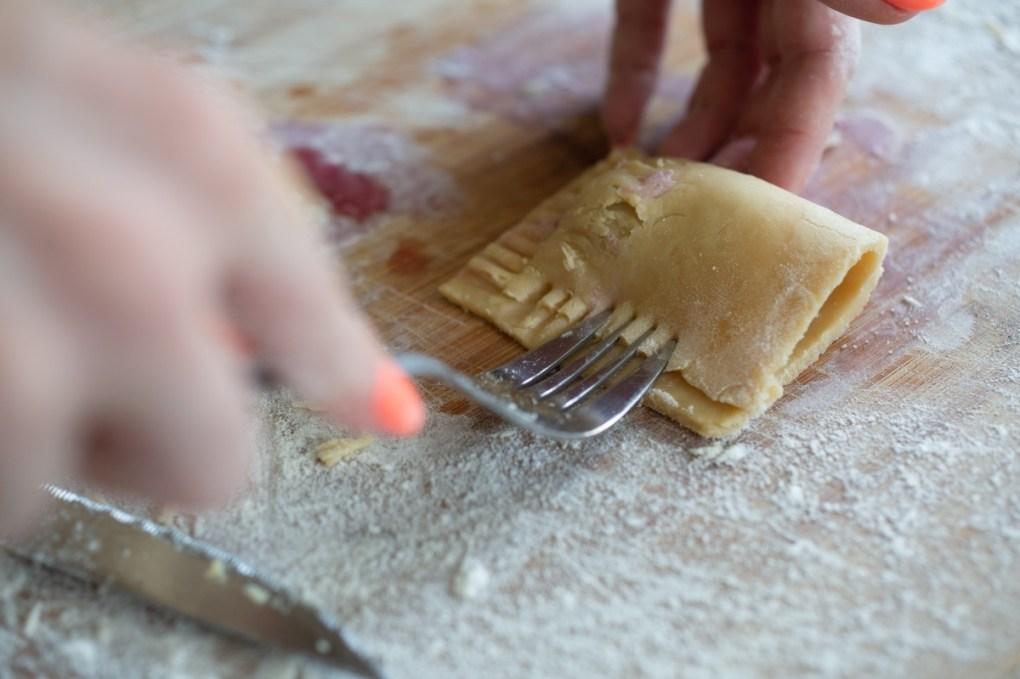 make a criss cross pattern in cherry pie crust recipe