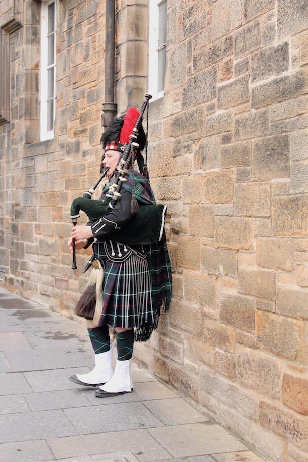 Bagpiper Edinburgh Scotland