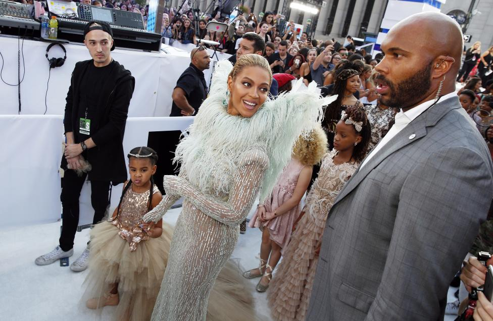 Beyonce arrives with her daughter Blue Ivy. REUTERS/Lucas Jackson