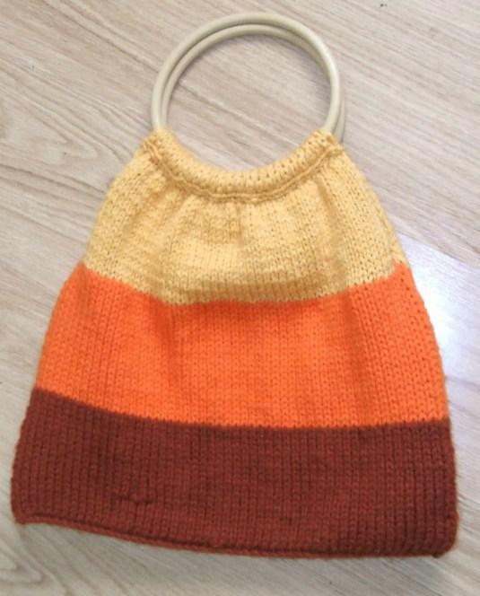 Cómo tejer un bolso de lana con asas redondas
