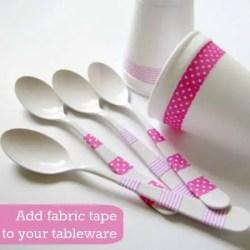 Cucharas decoradas con cinta de tela adhesiva o fabric tape