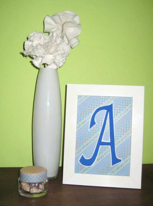 Cómo hacer un cuadro con una inicial