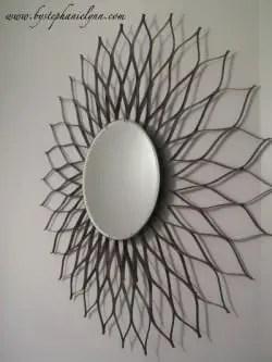 Espejo con tiras de cartón