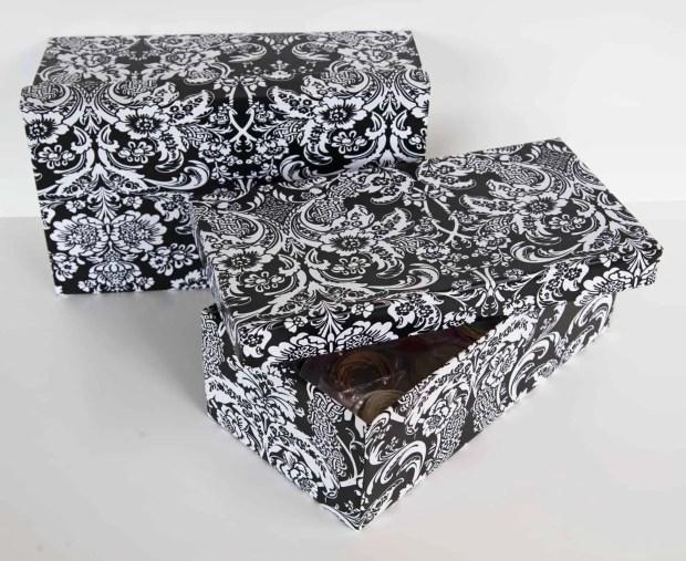 DIY: cajas de zapatos forradas con papel adhesivo