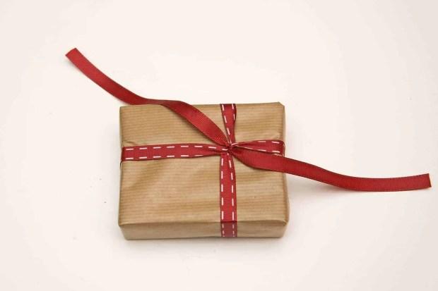 Envolver-regalos-navidad-2