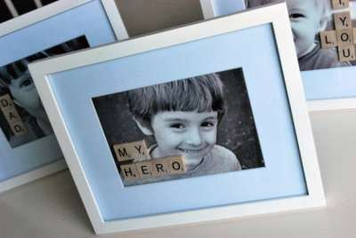 Retrato de niño con letras para regalar a papa